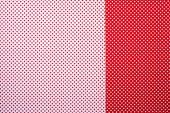 """Постер, картина, фотообои """"вид сверху поверхности красных и белых с узором в горошек для фона"""""""