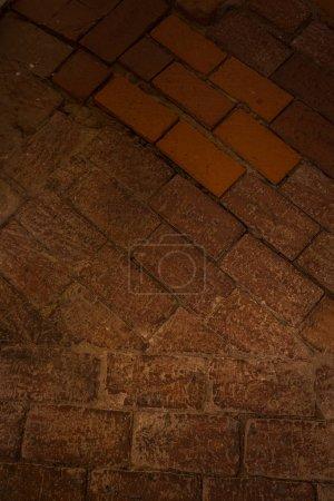 Photo pour Fragment d'un sol en briques d'une maçonnerie ancienne - image libre de droit