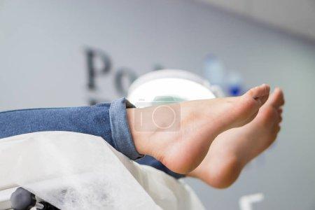 Photo pour Podiatrie du pied du patient - image libre de droit