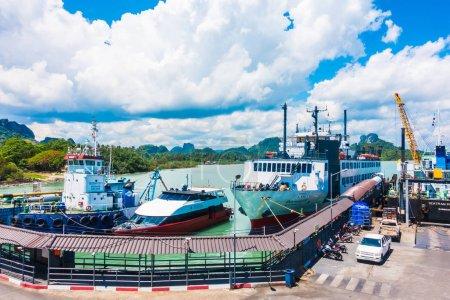 Île de Koh Samui, Thaïlande - 14 mai 2018 : Seatran Ferry transporte un passager de la jetée de Donsak Surat Thani à l'île de Koh Samui en Thaïlande