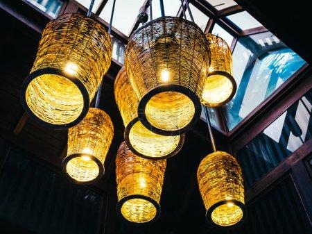 Photo pour Lampe de plafond décoration intérieure de la pièce - image libre de droit