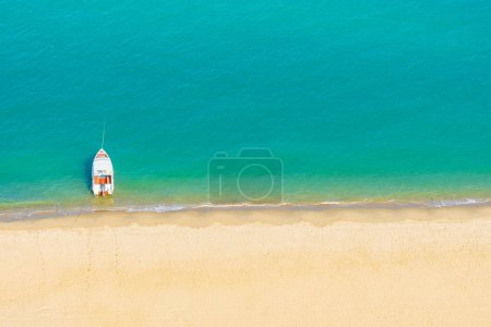 Photo for Speed boat on beautiful tropical sea ocean nearly beach for leisure vacation - Royalty Free Image