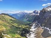 """Постер, картина, фотообои """"Невероятный вид на озеро Оберзе е-оберсейская долина, Нафельс (Нафель) - Кантон Гларус, Швейцария"""""""