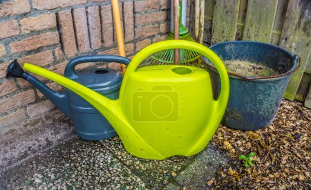 Basic necessary gardening tools for the home garden