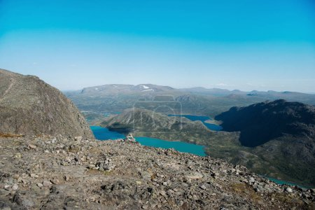 Photo pour Beau paysage de lac Gjende, crête Besseggen, Parc National de Jotunheimen, Norvège - image libre de droit