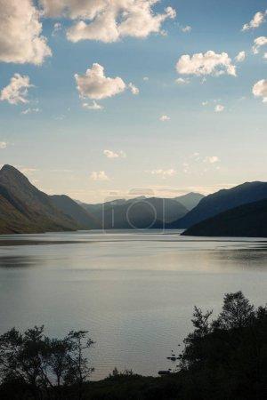 Photo pour Paysage majestueux au lac de Gjende, crête de Besseggen, parc national de Jotunheimen, Norvège - image libre de droit