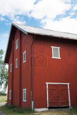Photo pour Façade de la ferme rouge, bâtiment, Hamar, Hedmark, Norvège - image libre de droit