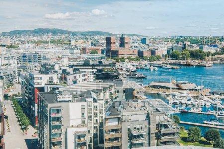 Photo pour Vue aérienne du magnifique paysage urbain et portuaire d'oslo, oslo, nord - image libre de droit