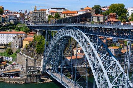 Photo pour Dom Luis I Bridge, a double-deck bridge across the River Douro in Porto, Portugal - image libre de droit