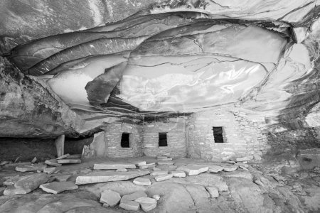 ruins of house of Native Americans in a desert canyon landscape, Utah, USA