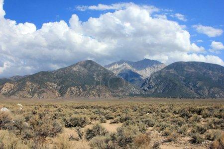 Photo pour Paysage alpin pittoresque, montagnes et ciel nuageux, États-Unis - image libre de droit