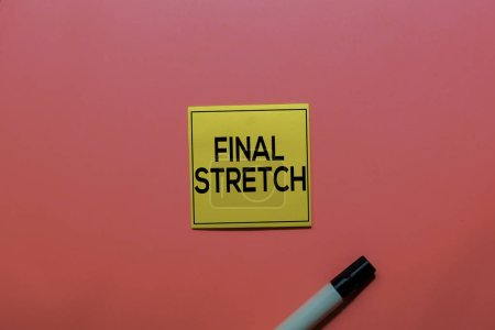 Photo pour Final Stretch write on sticky notes isolated on Pink background. - image libre de droit