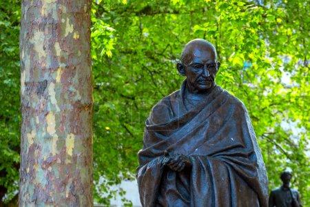 Statue du Mahatma Gandhi sur la place du Parlement à Londres, Royaume-Uni
