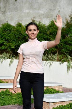 Une amie asiatique femelle