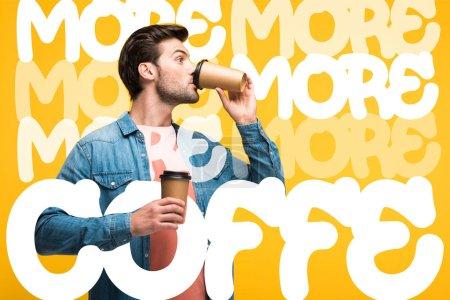 Photo pour Bel homme buvant du café pour aller isolé sur jaune avec plus de café illustration - image libre de droit