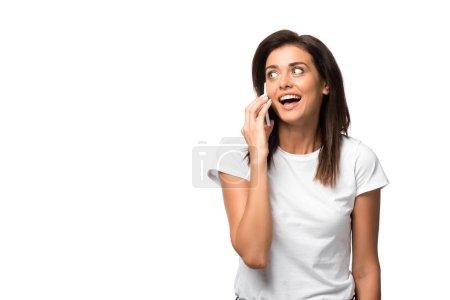 Photo pour Excité jeune femme parler sur smartphone, isolé sur blanc - image libre de droit