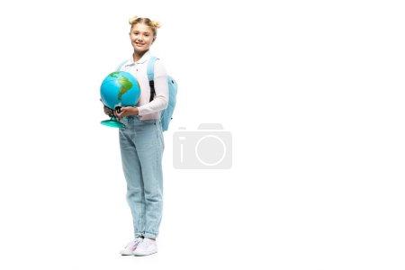 Photo pour Écolière avec sac à dos tenant globe sur fond blanc - image libre de droit