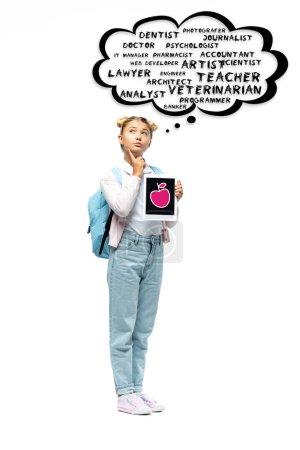 Photo pour Écolier réfléchi tenant tablette numérique près de bulle de pensée illustration avec lettrage sur fond blanc - image libre de droit
