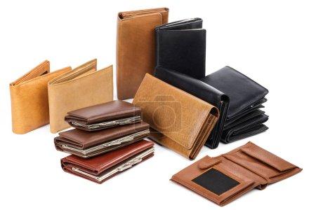 Photo pour Vue rapprochée de différents portefeuilles en cuir isolés sur fond blanc - image libre de droit