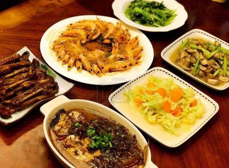 Photo pour Vue de près de la délicieuse cuisine asiatique - image libre de droit