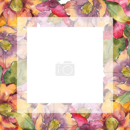 isolierte rote und orangefarbene Kamelienblüten mit grünen Blüten. Aquarell-Illustrationsset vorhanden. Rahmen Rand quadratische Verzierung mit Kopierraum.
