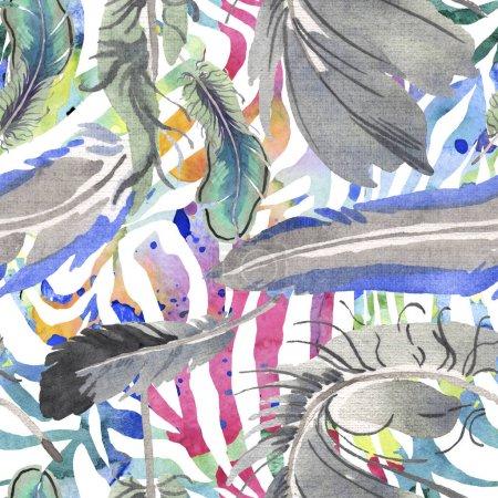 Photo pour Plume d'oiseau d'aquarelle de l'aile isolée. Plume d'aquarelle pour fond, texture, motif d'emballage, cadre ou bordure. Modèle de fond sans couture. Texture d'impression de papier peint de tissu. - image libre de droit