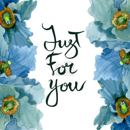 Foto de Flores botánicas florales de amapola azul. Hoja de primavera silvestre wildflower aislado. Conjunto de ilustraciones de fondo de acuarela. Acuarela dibujando moda acuarela aislada. Marco borde ornamento cuadrado. - Imagen libre de derechos