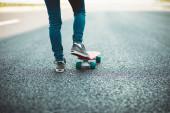 """Постер, картина, фотообои """"Скейтбордист, скейтбординг на дороге шоссе"""""""