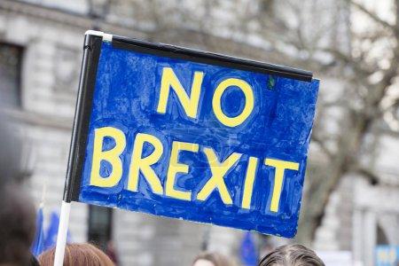 Photo pour Pas de bannière Brexit lors d'une manifestation politique à Londres - image libre de droit