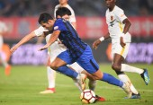 Italian-Brazilian football player Eder Citadin Martins of Jiangsu Suning dribbles against Guizhou Hengfeng in their 16th round match during the 2018 Chinese Football Association Super League (CSL) in Nanjing city,  east China's Jiangsu province, 5 Au