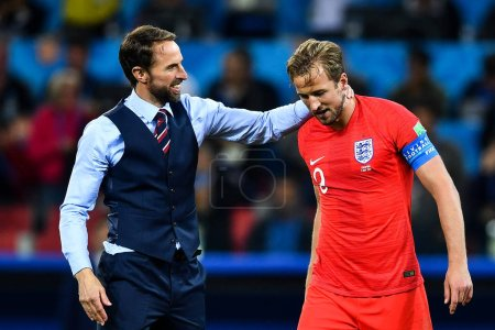 Harry Kane of England right
