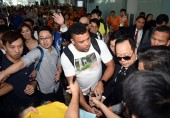 Brazilian football star Ronaldo Luis Nazario de Lima, center, commonly known as Ronaldo, is surrounded by a crowd of fans at the Hong Kong International Airport after he landed in Hong Kong, China, 23 May 2017.