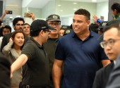 Brazilian football star Ronaldo Luis Nazario de Lima, right, commonly known as Ronaldo, attends the Real Madrid Foundation Clinic in Hong Kong & Southern China Project Presentation Press Conference in Hong Kong, China, 27 May 2017.