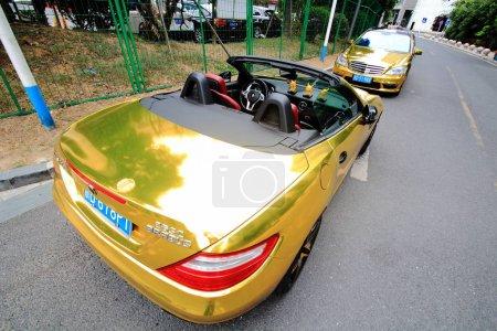 Golden MercedesBenz S 68 front