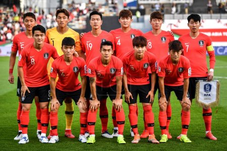 Photo for Players of the starting line-up of South Korea national football team pose before competing against Qatar national football team in their quarter-final match during the 2019 AFC Asian Cup in Abu Dhabi, United Arab Emirates, 25 January 2019 - Royalty Free Image