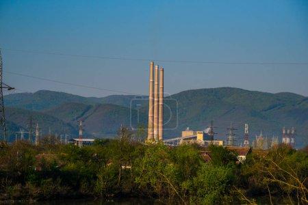 Photo pour Tour d'énergie thermique - image libre de droit