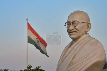 Бюст статуя Ганди с