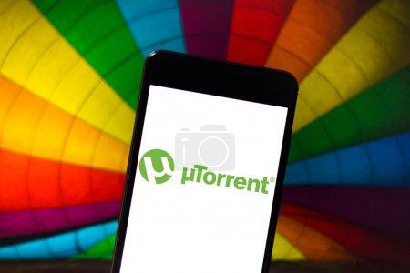 Photo pour 22 avril 2019, Brésil. Logo Utorrent sur l'appareil mobile Android. utorrent est un gestionnaire de téléchargement qui utilise le protocole Bittorrent. - image libre de droit