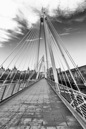 Golden Jubilee Bridge, London.