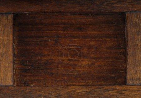 Foto de Closeup of empty wooden bowl - Imagen libre de derechos