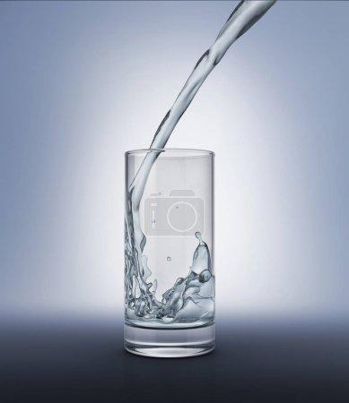 Photo pour Verser de l'eau dans un verre avec éclaboussures à l'intérieur. Bouchent la vue d'un côté. Isolé sur fond gris. Tracé de détourage inclus. - image libre de droit
