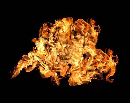 Photo pour Feu et flammes avec un fond rouge-orange foncé brûlant. Feu et flammes. Élément, flamboyant . - image libre de droit