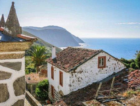 Photo pour Vue panoramique d'après-midi à San Andres de Teixido, La Corogne, Espagne - image libre de droit