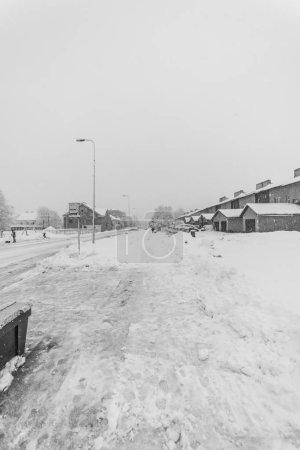 Foto de Beautiful winter day in small town. Amazing winter landscape. - Imagen libre de derechos