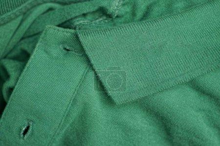 Foto de La textura verde tejido tejido tejido tejido tejido vestido con collar. - Imagen libre de derechos