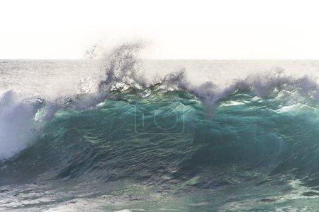 Photo pour Belle vue de la grande vague de l'océan - image libre de droit