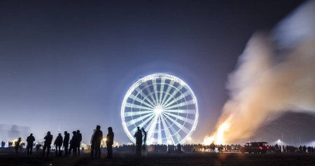 Photo for Glowing ferris wheel, night view - Royalty Free Image