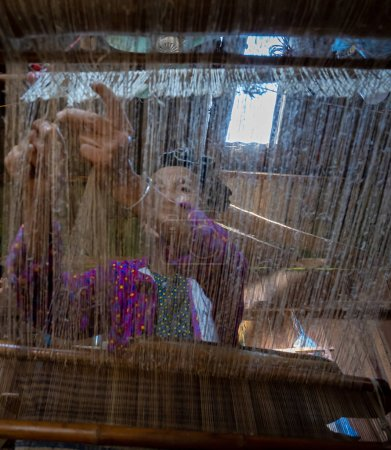 Hermoso paisaje con arroz arrozal campo de seno de hadas o montañas gemelas, Nui Doi, montañas dobles es el destino de viaje y famoso lugar en la ciudad de Tam Son, Quan Ba, Ha Giang, Vietnam