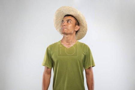 Photo pour Beau modèle asiatique heureux jeune. Yogyakarta indonesia. 29 sept. 2020 - image libre de droit