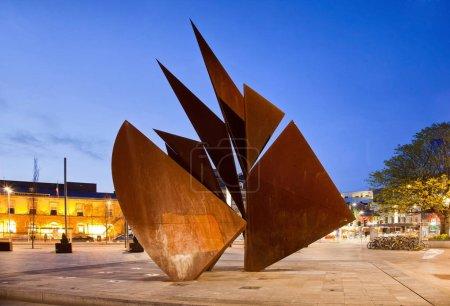 Photo pour Vue du monument moderne à Galway City - image libre de droit